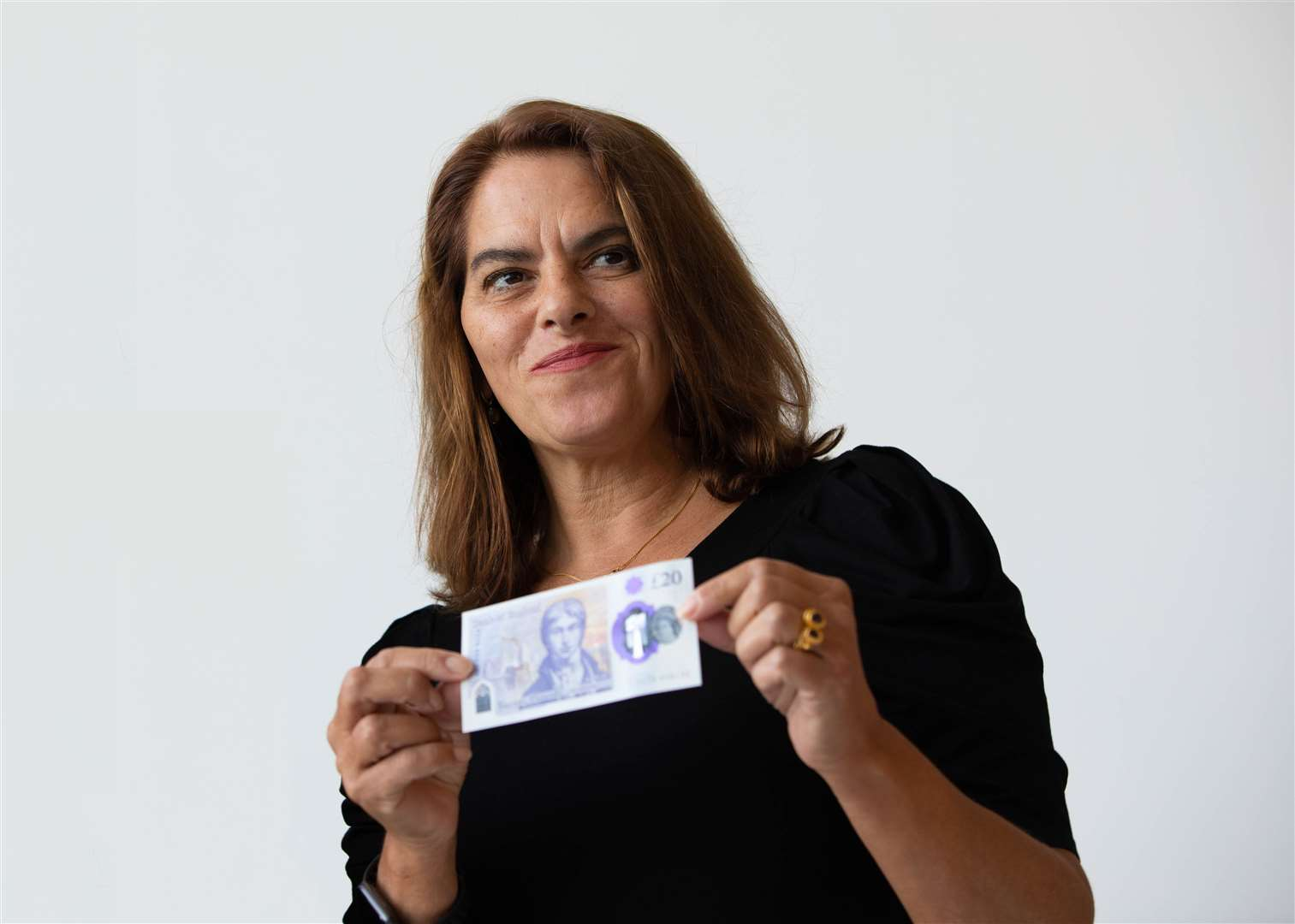 Artist Tracey Emin with the £20 note featuring Turner. Picture: Bank of England.