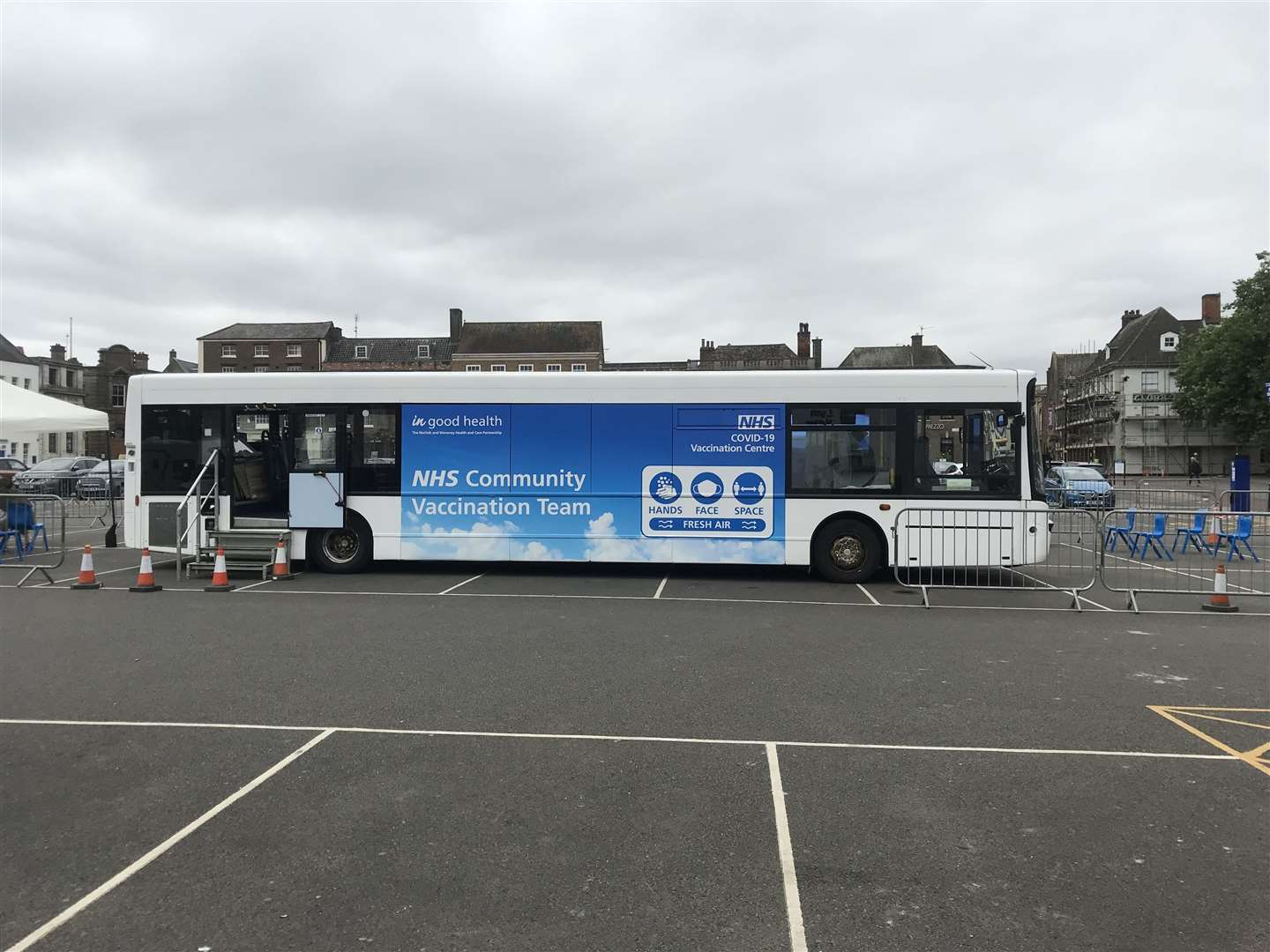 NHS Community Vaccination Team bus is in Tuesday Market Place in Lynn. (50493518)