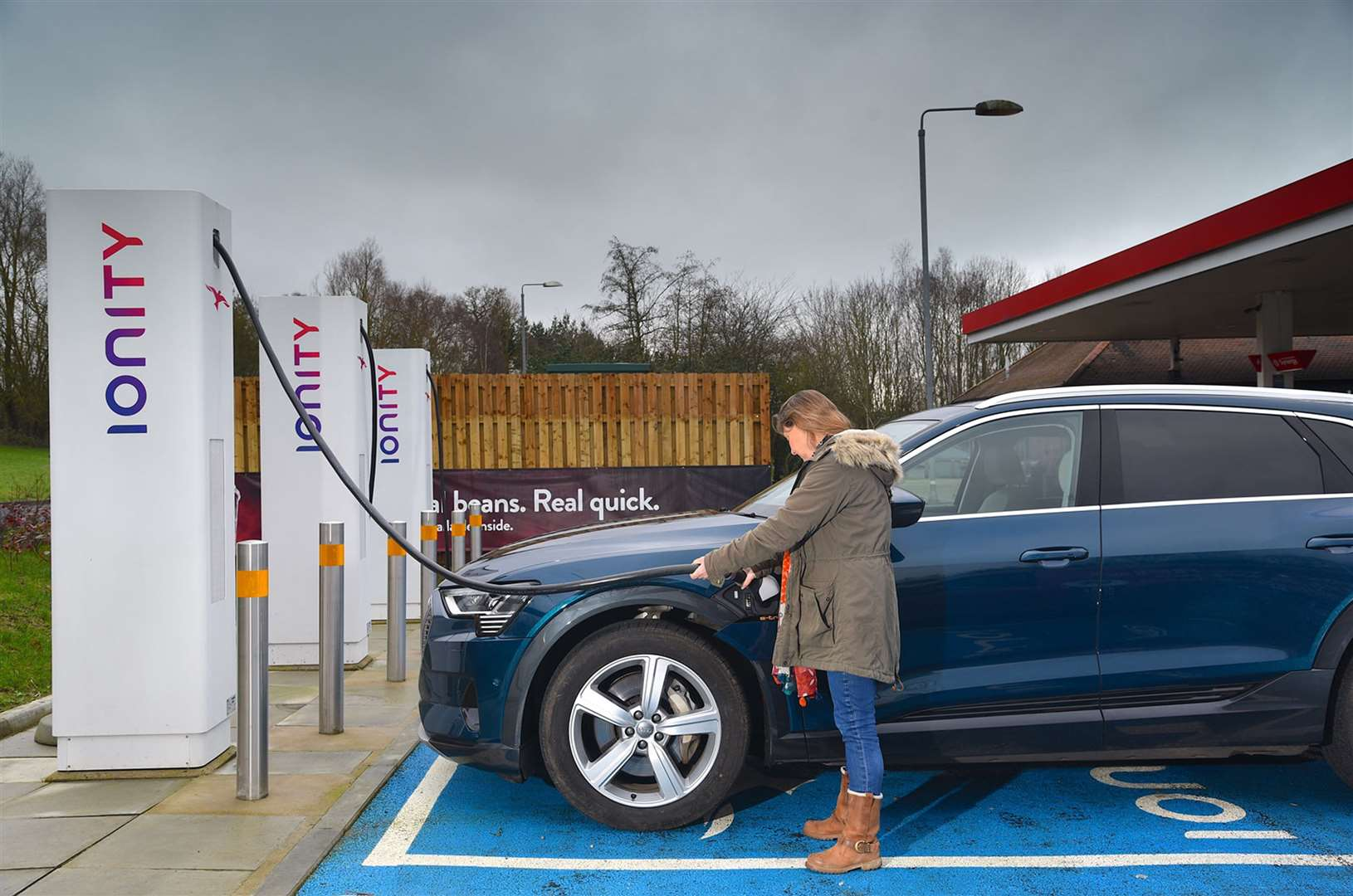 Interest in electric cars is growing says one lease company