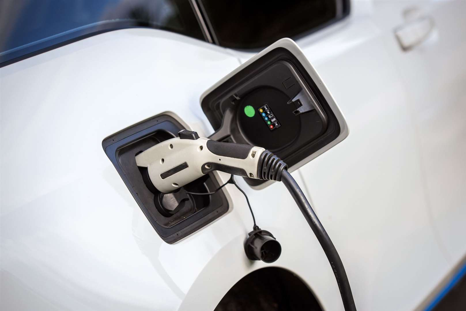 Electric cars are growing in popularity says one lease car company