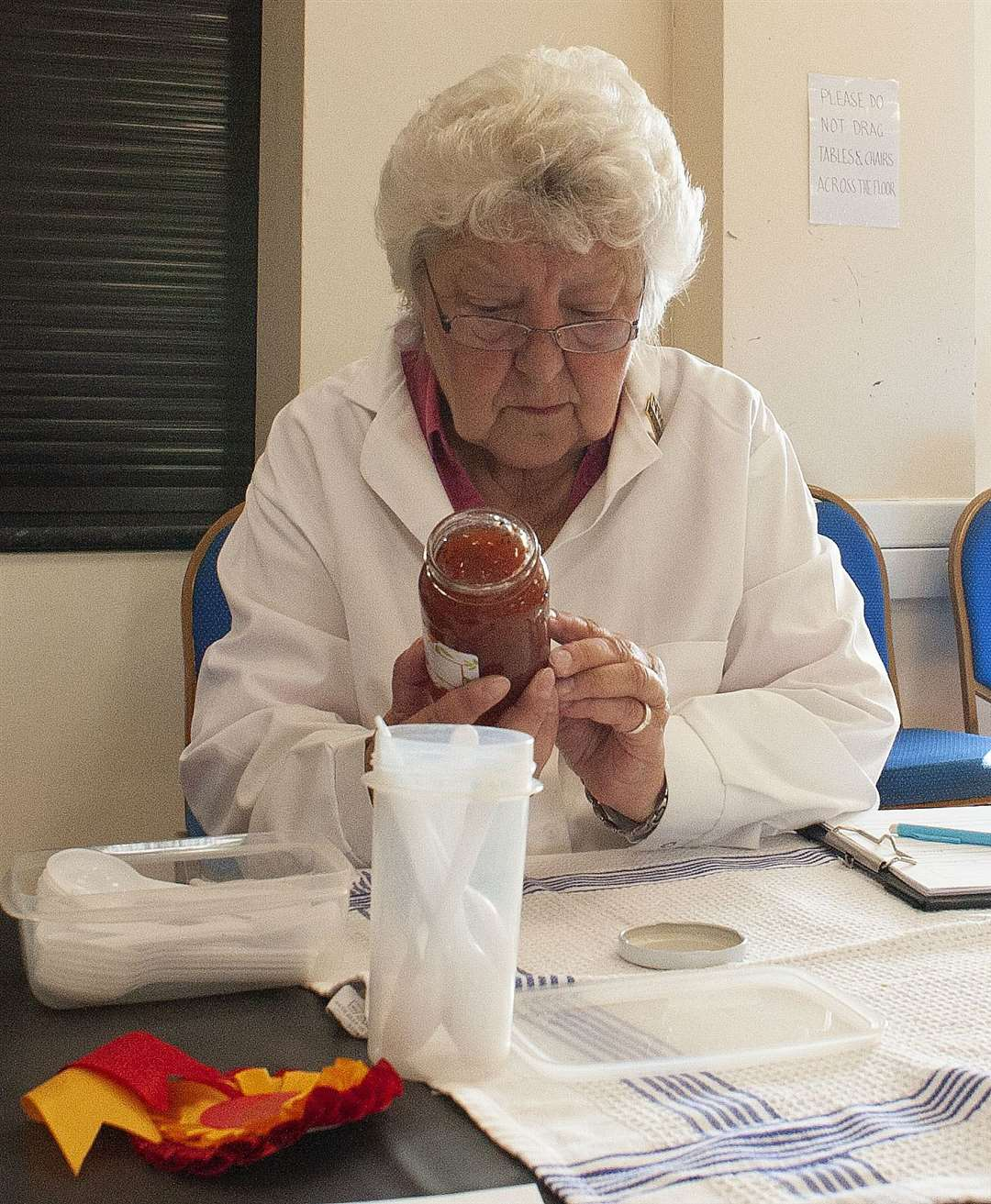 King's Lynn Horticultural Show at South Wootton Village Hall.. Pictured judging is Sue Nulty. (50218090)