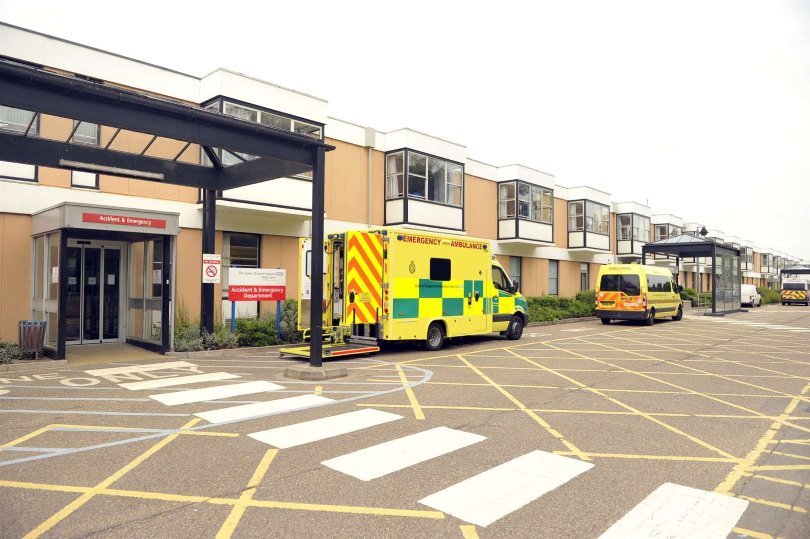 QEH General Views of the outside of the hospital (35995277)