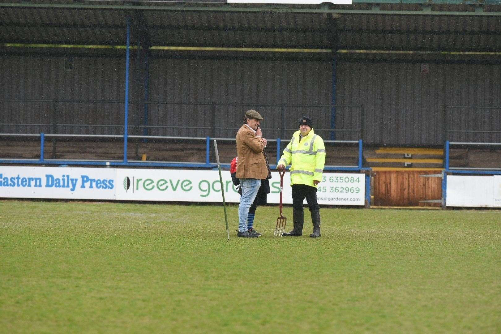 Linnets chairman Stephen Cleeve assesses the situation. Picture: Tim Smith (46961480)