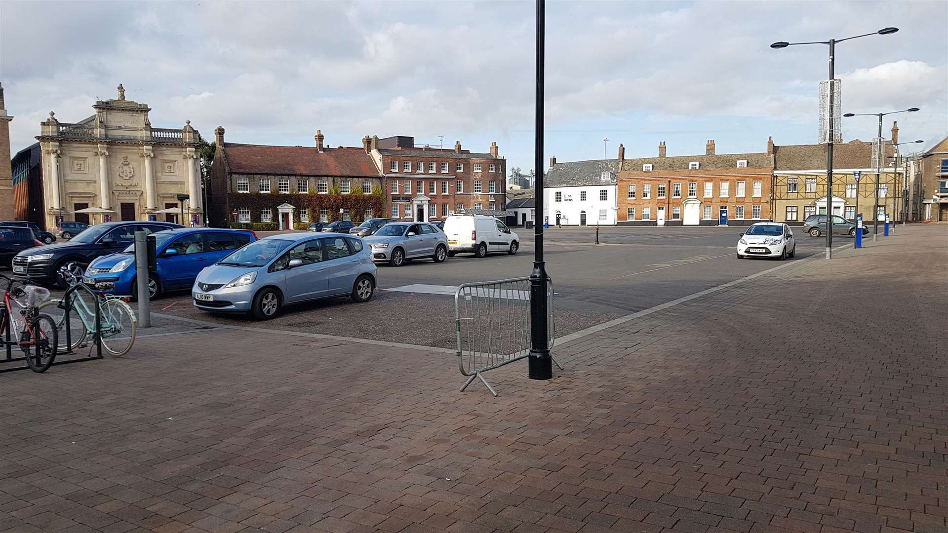 Only a small number of vehicles were using the car park in Lynn's Tuesday Market Place (43010863)