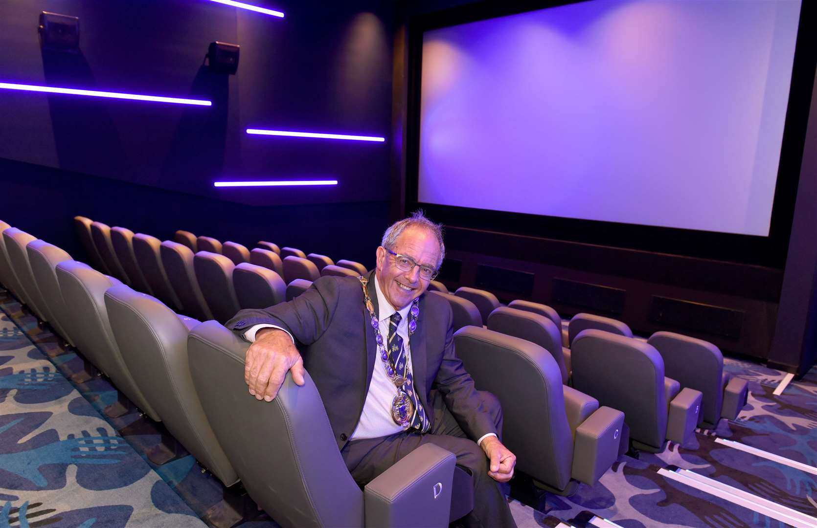 Official Opening of the two New Cinemas at The Alive Corn Exchange Tuesday Market Place King's Lynn, by Borough Mayor Cllr Geoff Hipperson...Borough Mayor Cllr Geoff Hipperson is pictured in Cinema No 1 after the official opening ceremony.. (42350268)