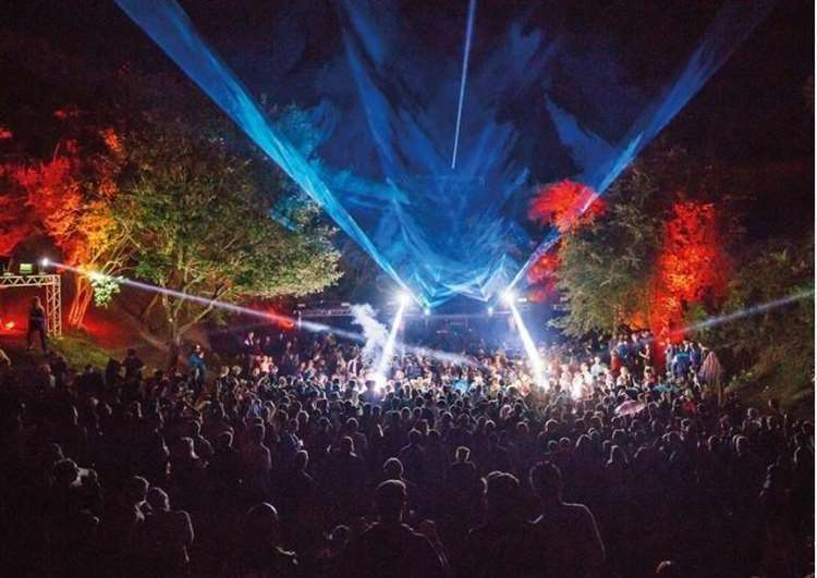 Houghton Festival attracts thousands of guests (49427291)