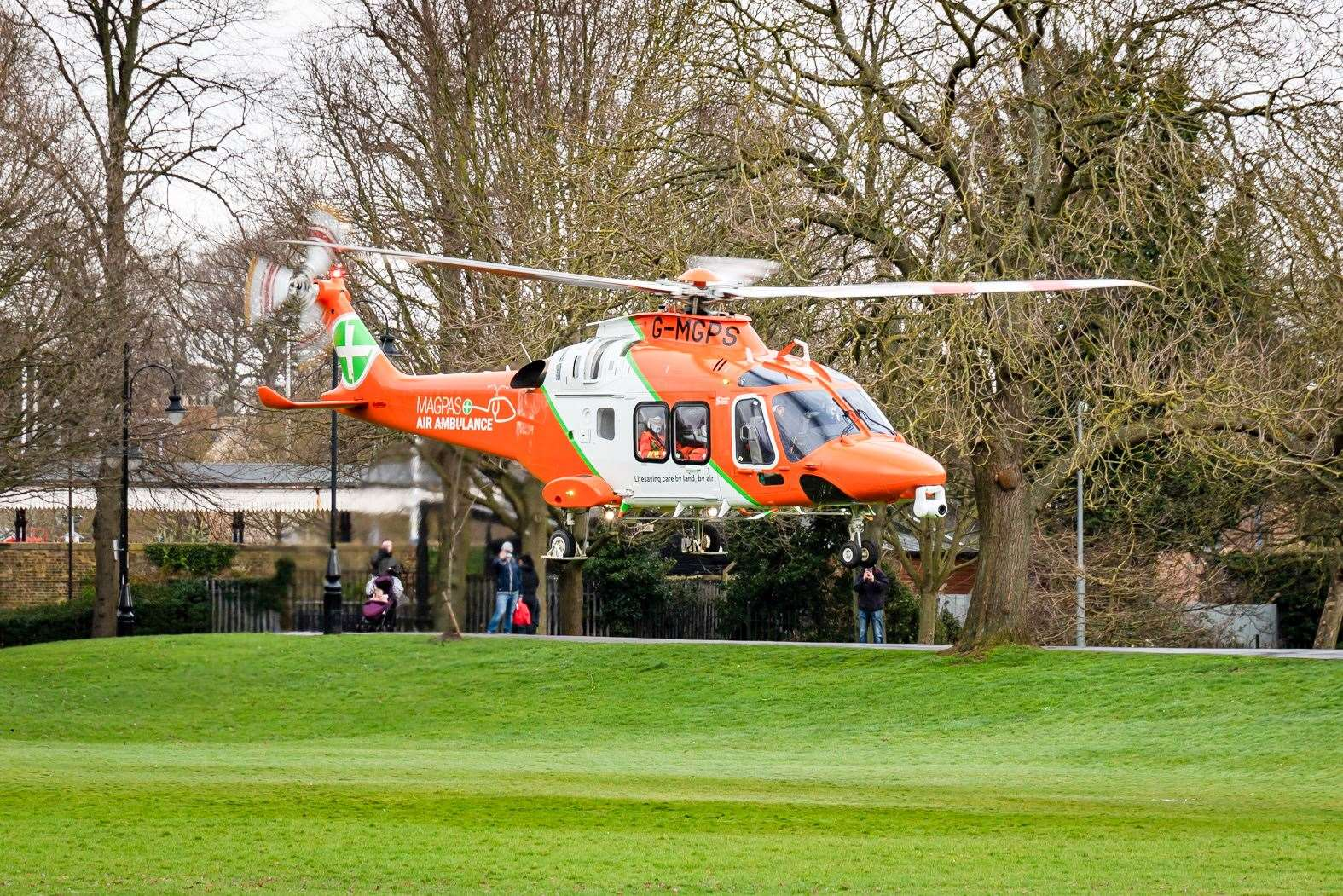 The Magpas Helicopter landed in The Walks. Picture: Ian Burt. (45085676)