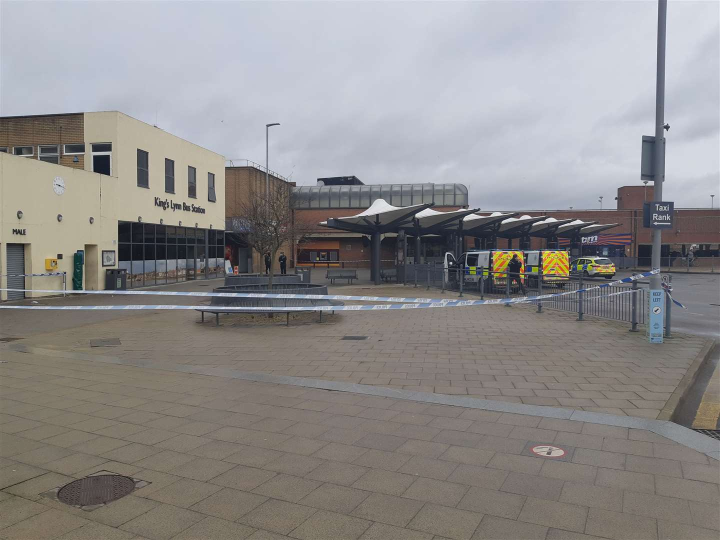 The police cordon in the Lynn bus station (45084902)