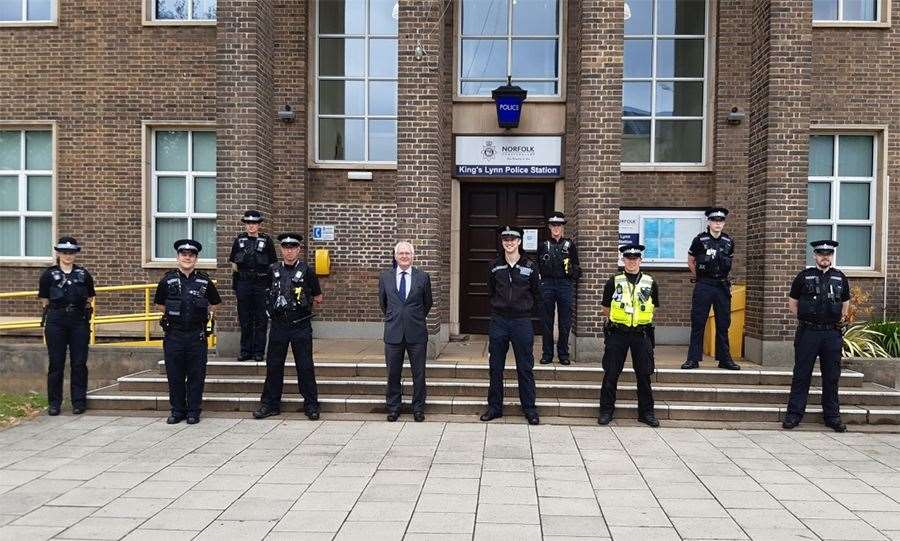 Norfolk Police and Crime Commssioner Giles Orpen-Smellie with officers outside Lynn's police station (48363639)