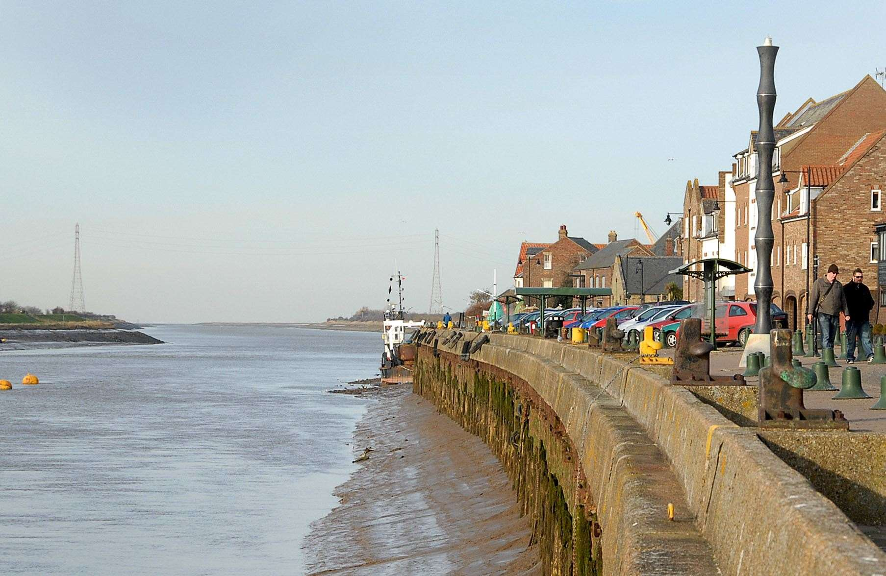 Scenic images from around Kings Lynn by Lynn News Photographer Paul Tibbs. Looking along the South Quay and out to the Wash. (2192148)