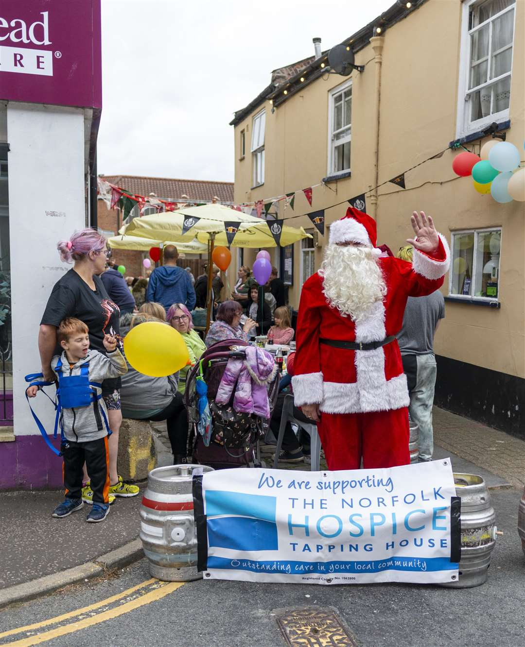 The Windsor Road street party raised funds for Tapping House, (50743401)