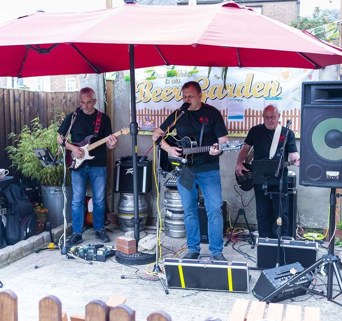 Live music at the Live and Let Live. (50743430)