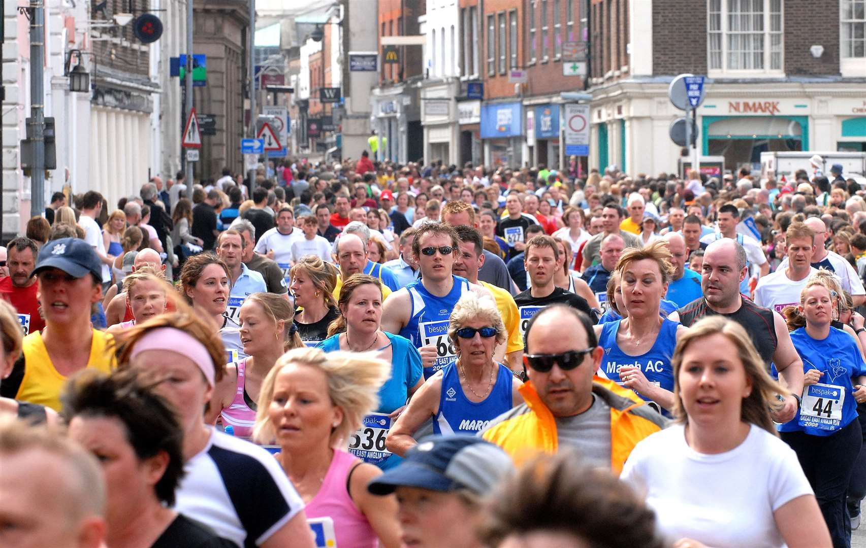 Great East Anglia Run - Nearly 2000 runners take part in the GEAR around the streets of Lynn..MLNF-08PT05142... (46663056)