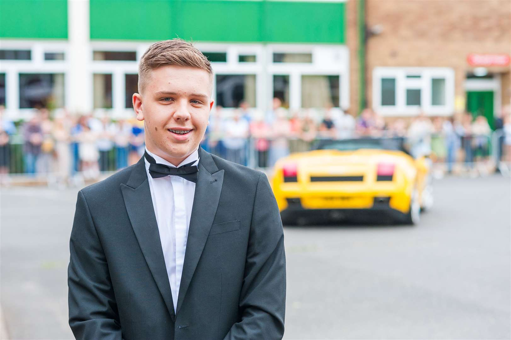 Springwood students celebrate their prom night (50585460)