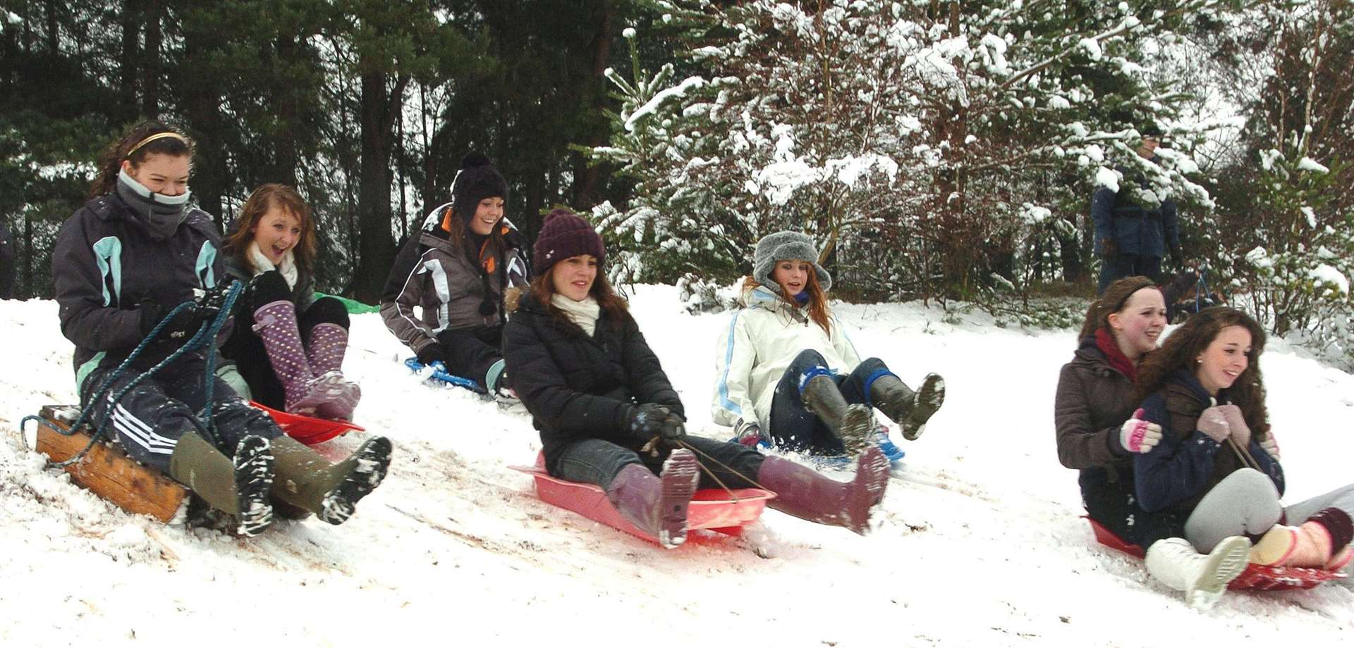 A fun scene after heavy snow on a previous occasion at Wootton Sand Pits.