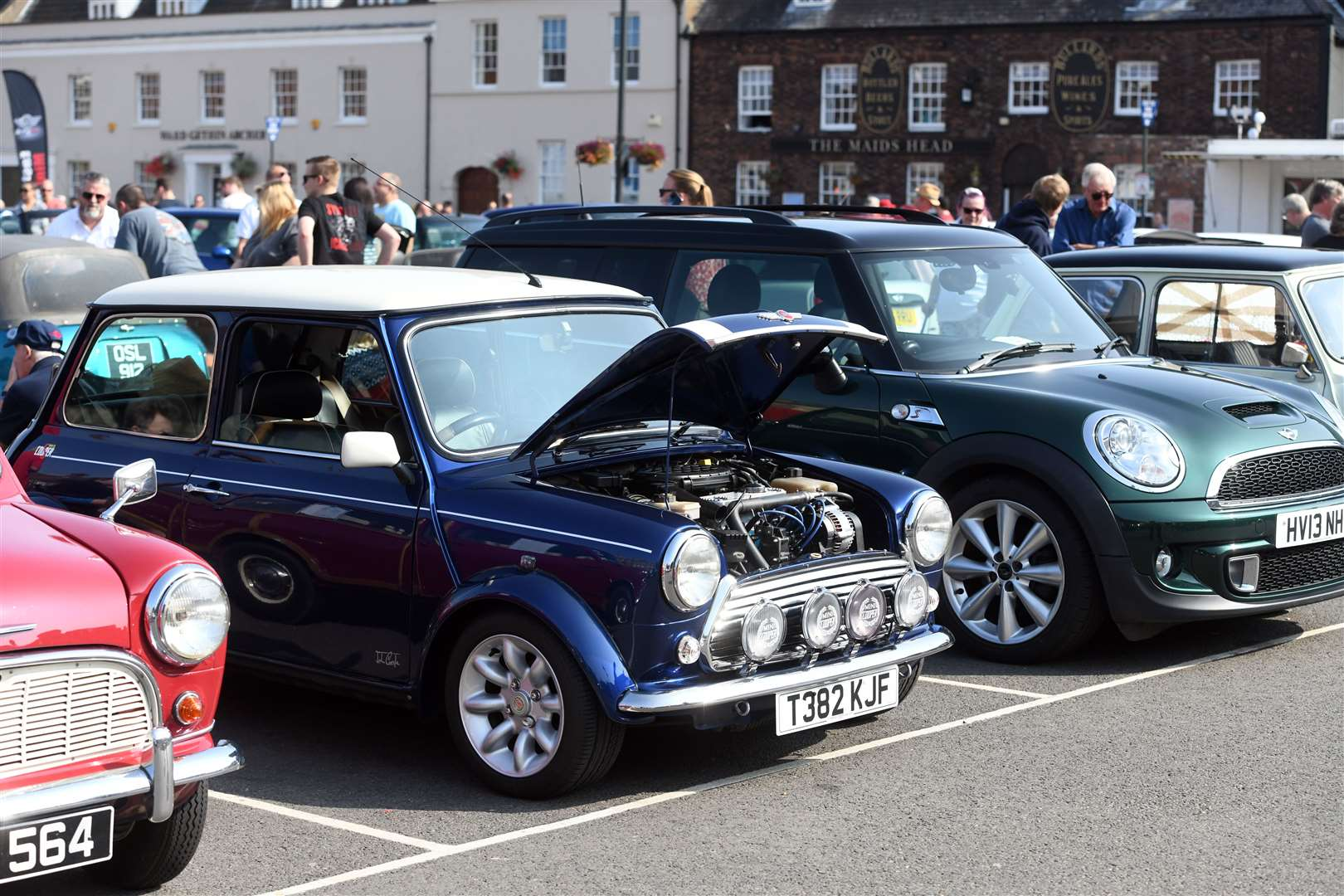 Mini Meet on the Tuesday Market Place. (50928471)