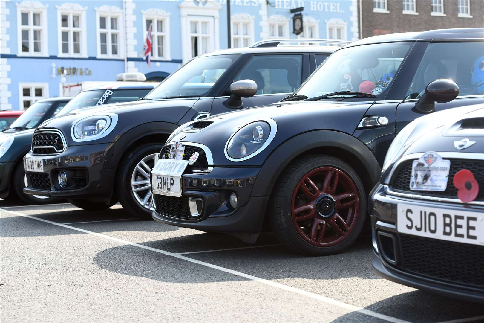 Mini Meet on the Tuesday Market Place. (50928478)