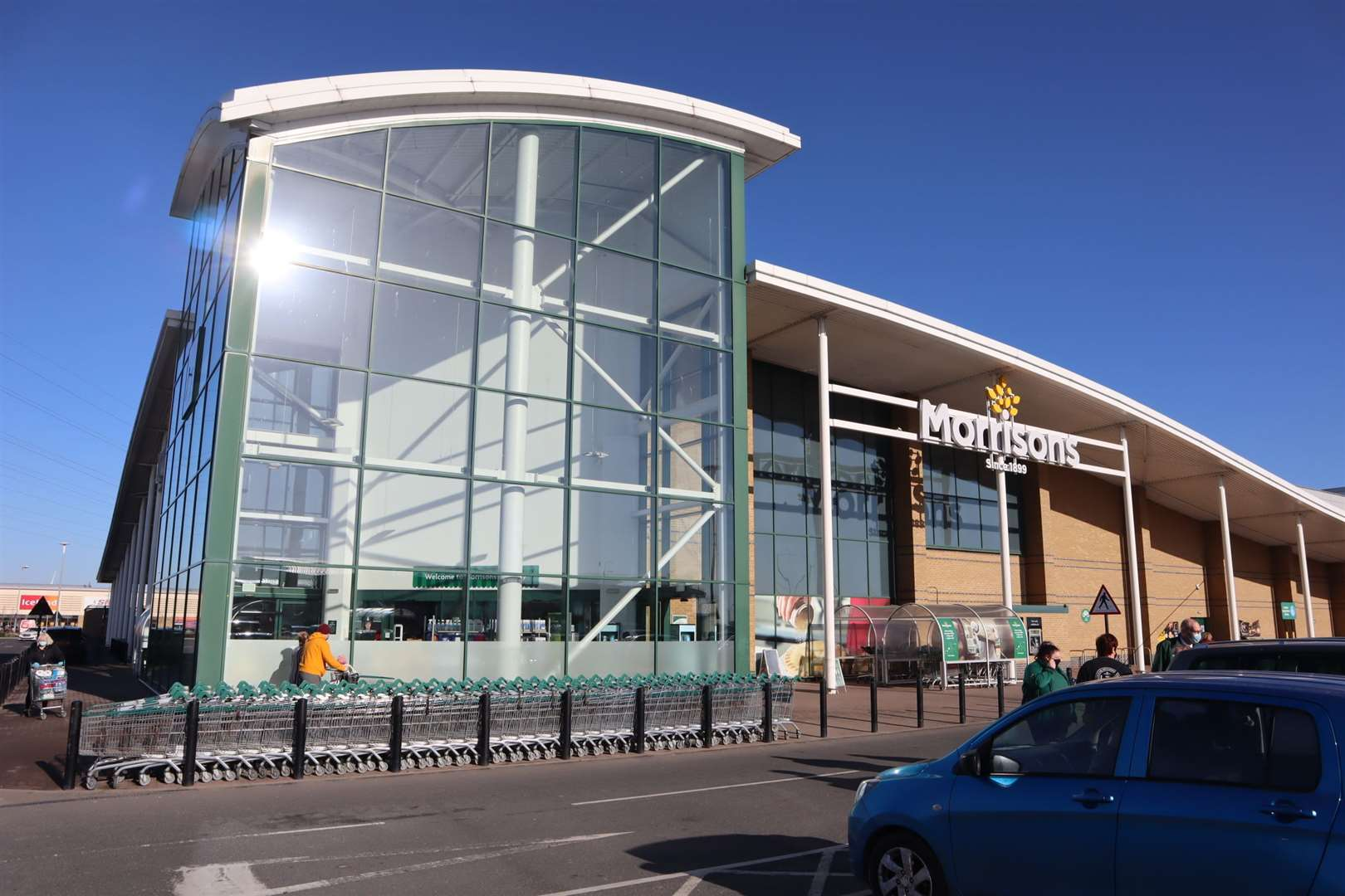 The email, pretending to be from Morrisons, offers to enter customers into a free prize draw