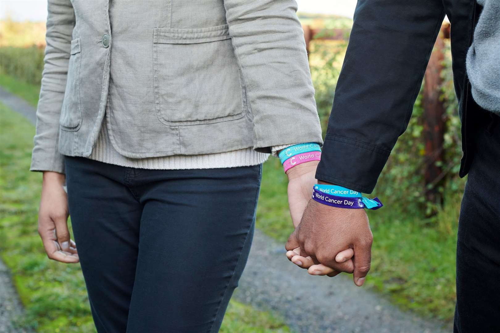 A couple hold hands for World Cancer Day which will be marked on February 4. (43984946)