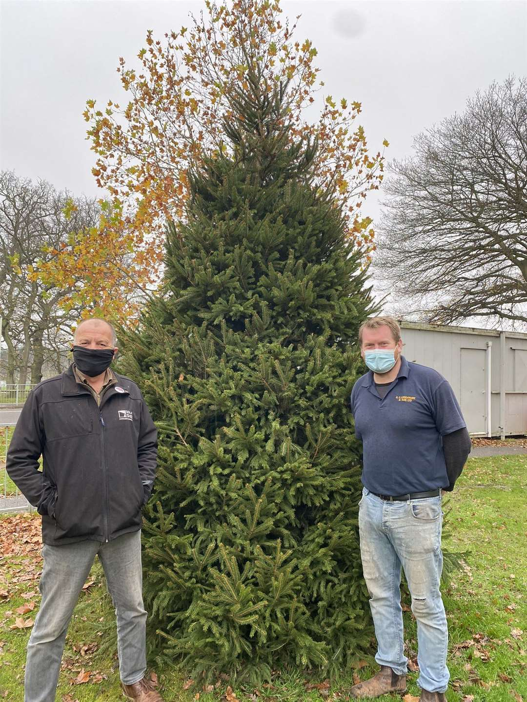 Edward Landymore and Kevin Holland pictured with the Queen's surprise Christmas tree which has enabled them to donate a Christmas tree to the Purfleet Trust as well as Lynn's QEH (43366924)