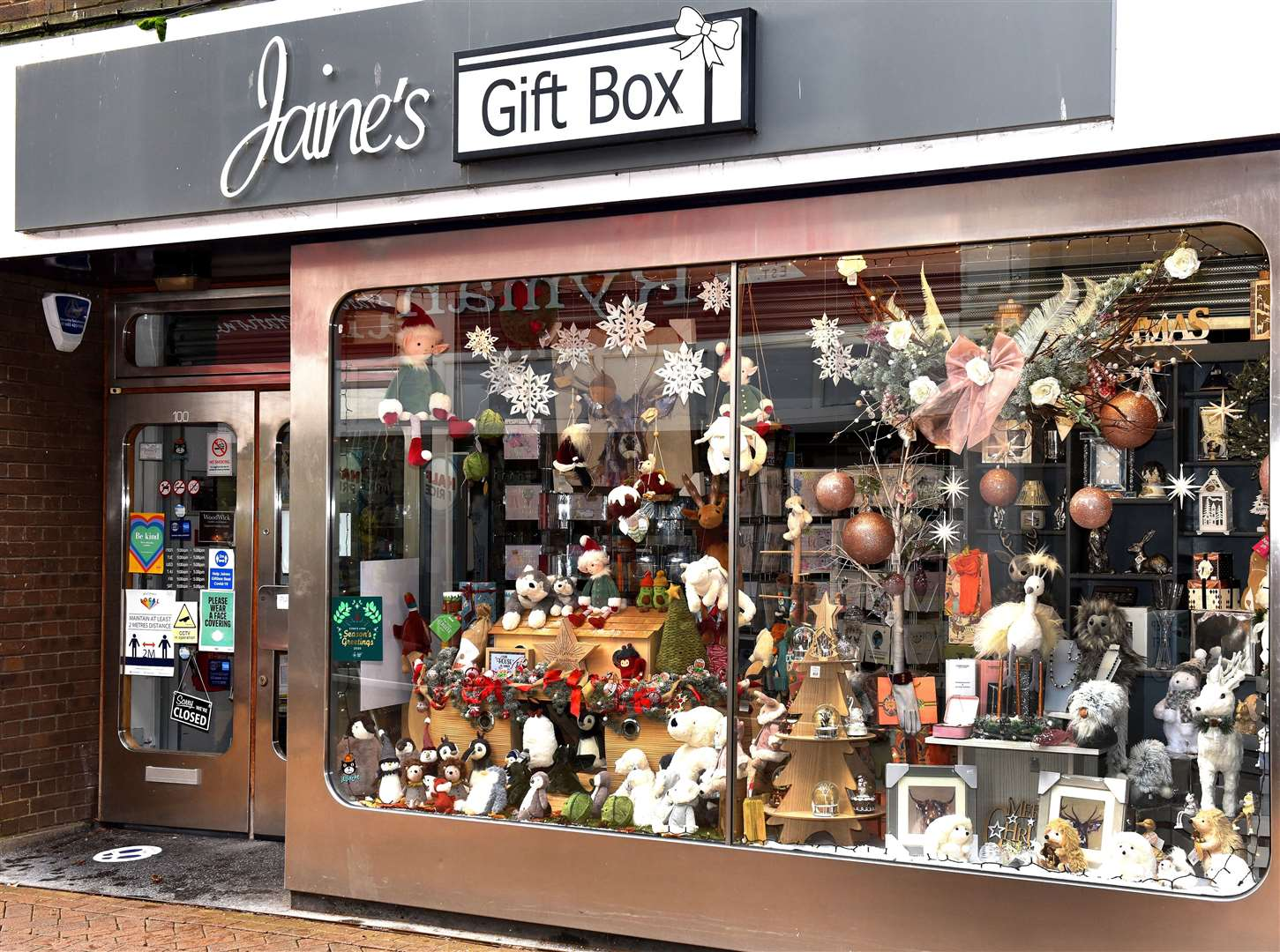 Jaine's Gift Box won the Christmas Window Competition with this display captured by photographer Paul Marsh